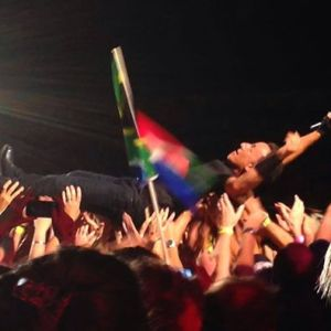 Crowd surf val Pauline Smit